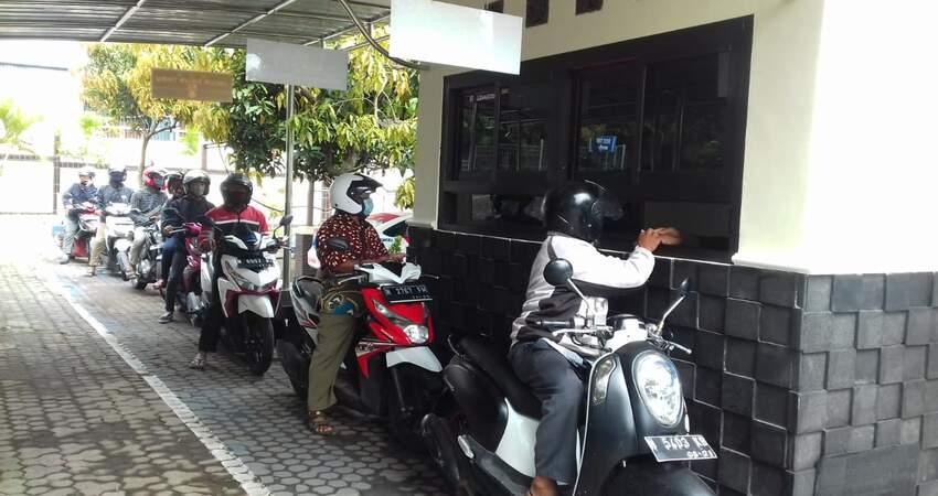 LOKET KHUSUS: Loket The Drive Thru khusus untuk pembayaran PKB tahunan yang kini dimiliki KB Samsat Kota Batu.