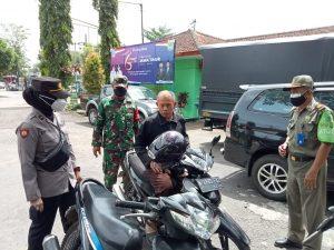 Operasi Yustisi Polsek Bantur Dengan Sasaran Masyarakat Tidak Pakai Masker