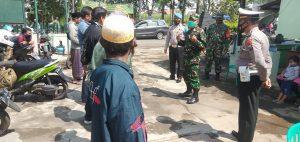 Danramil 0818/19 Gondanglegi Pimpin Operasi Yustisi Pendisiplinan Prokes Covid-19
