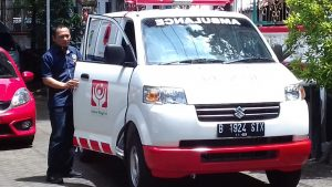 PWI Malang Raya Dapat Bantuan Mobil Ambulans dari Donasi Konsumen Alfamart