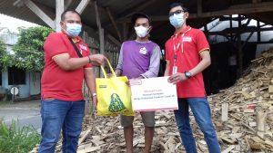 Lewat CSR Alfamart Malang Bagikan 600 Paket Sembako