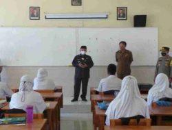 Bupati Karna dan Forkopimda Tinjau PTMT di SMA Negeri 1 Situbondo