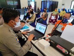 Polres Malang Kembali Salurkan Bantuan Tunai kepada Pedagang Kecil