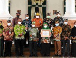 Pemkab Situbondo Raih Penghargaan Anugerah Parahita Ekapraya